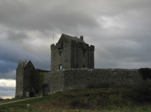 Dunguaire Castle Creative Commons Photo: Postdlf