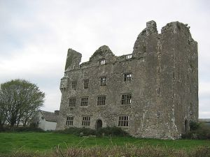 Leamaneh Castle, Co. Clare - Home of Maire Rua Photo: Teo Romera Creative Commons