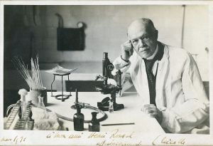 Charles Nicolle received the 1928 Nobel Prize in Medicine for his identification of lice as the transmitter of epidemic typhus. Photo: Roland Huet Wikimedia Commons