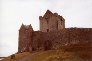 Dunguaire Castle, Kinvara Photo: Angella Streluk Creative Commons