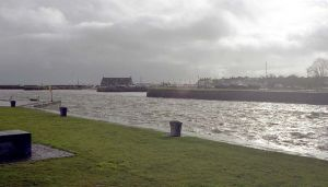 Galway Harbour Photo: Art Wikimedia Commons