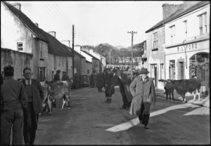Main Street, Kinvara Photo: Cresswell archives