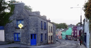 Downtown Kinvara Photo: EO'D