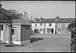 The Square, Kinvara c. 1950 Photo: Cresswell archives